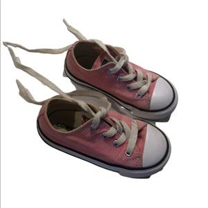 Converse little girls size 7 pink good condition